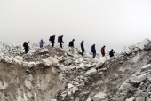 way to everest base camp .jpg