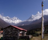 Evrest and Amadablam from Tyangbuche .jpg