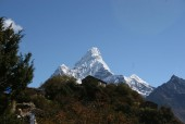 A fabulos view of Mt. Ama Dablam from Mong La.jpg