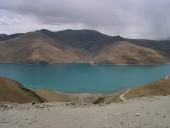 Yamdrok Tso (Turquoise Lake) in Tibet.jpg